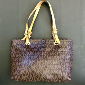 Michael Kors Signature Shopper/Tote gently used.